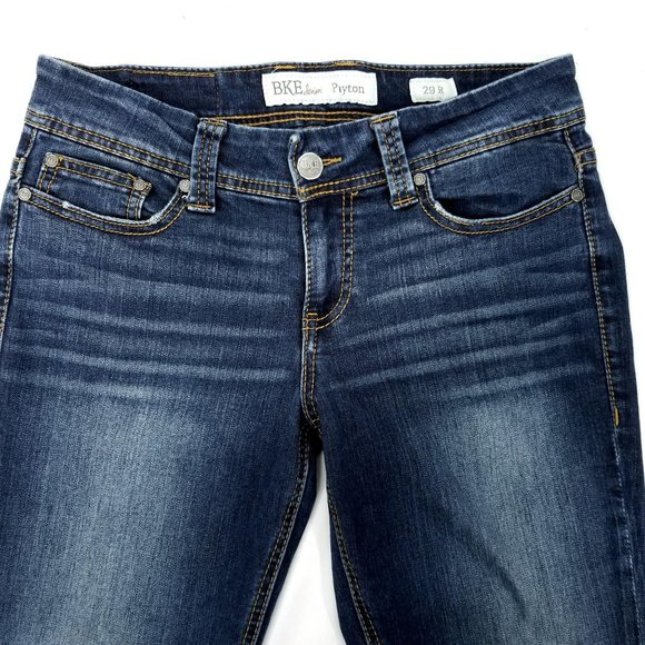 Buckle BKE Payton Jeans Mid Rise Boot Cut Stretch